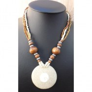 Collier sable et coquillage