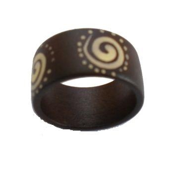 Bague en bois anneau spirale