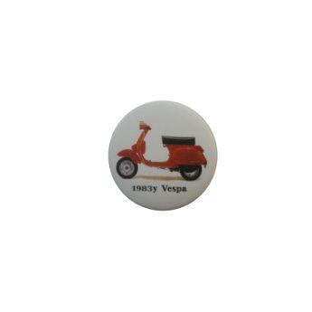 Badge Vespa rouge 1983