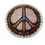 Badge Peace and Love Multicolore fond blanc