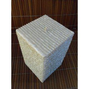 Bougie carrée blanche nacrée stries