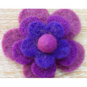 Broche fieltro iris
