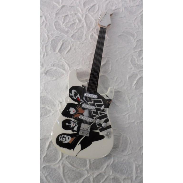 Guitare blanche Kiss