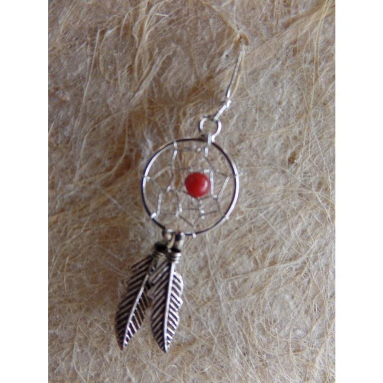 Petites boucles d'oreilles dreamcatcher perle rouge