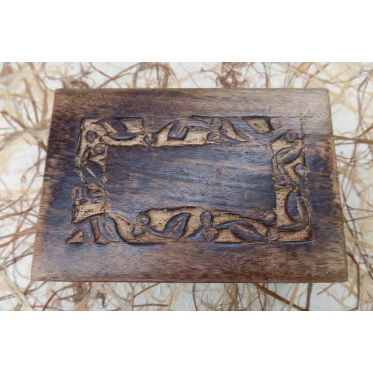 Boite en bois feuilles