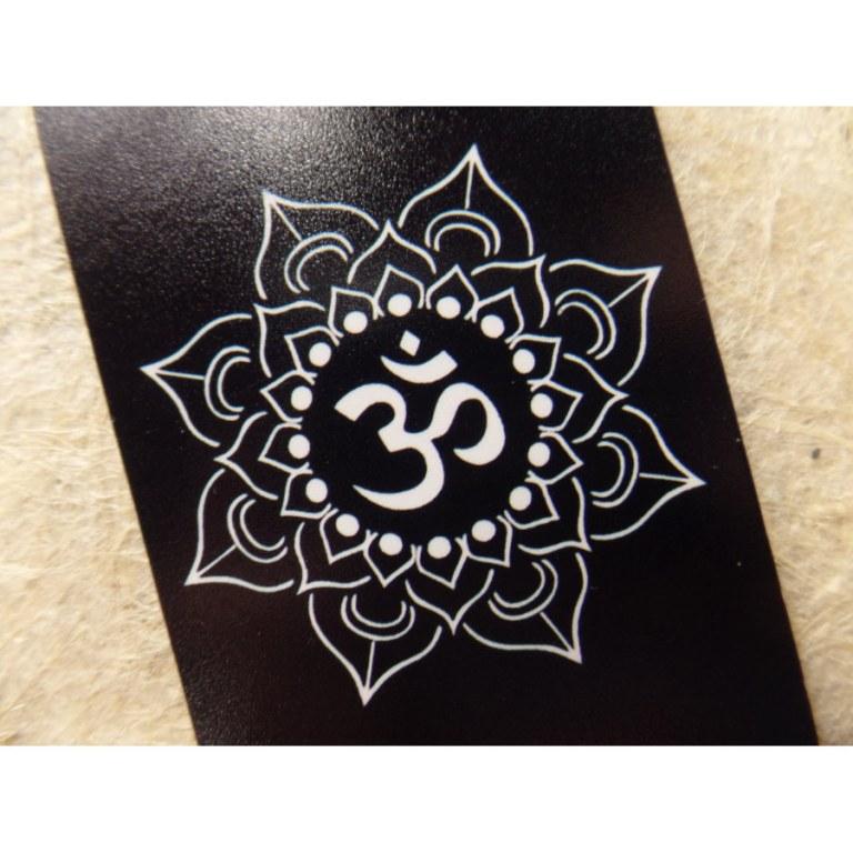 Aimant symbole Om 10