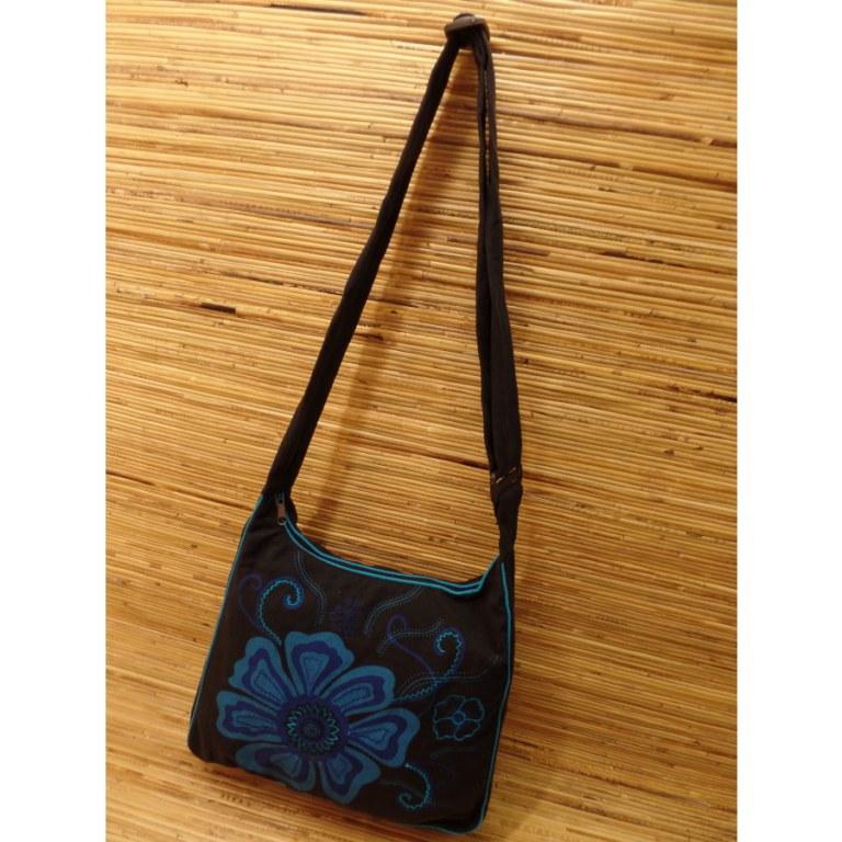 Besace noire fleur bleue
