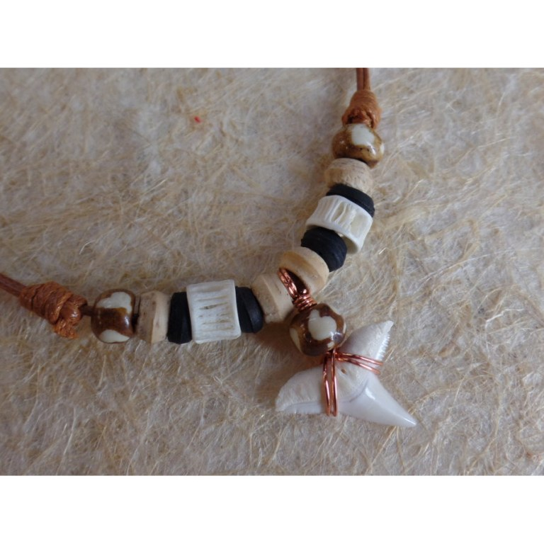 Collier Maraa dent de requin blanc 12