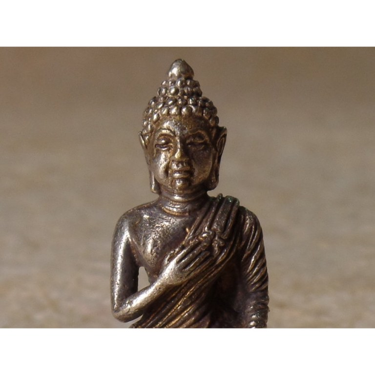Miniature Bouddha main sur le coeur