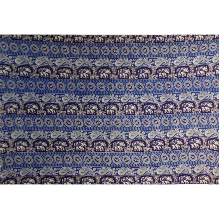 Petite tenture bleue éléphants médaillon