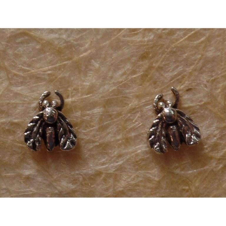 Clous d'oreilles abeille