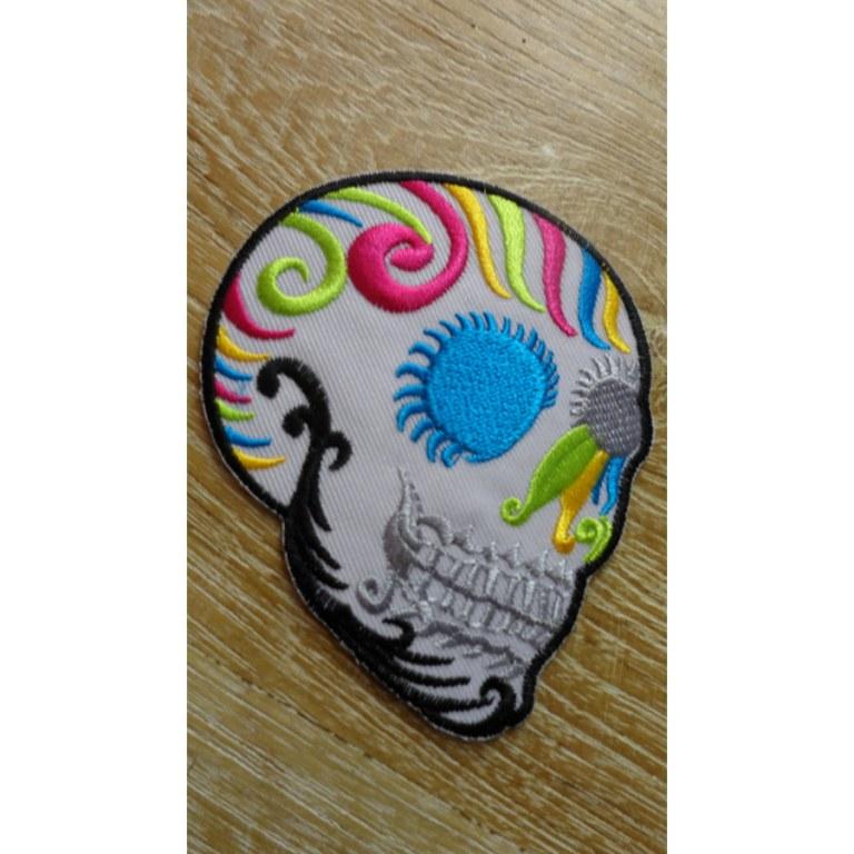 Ecusson crâne blanc profil
