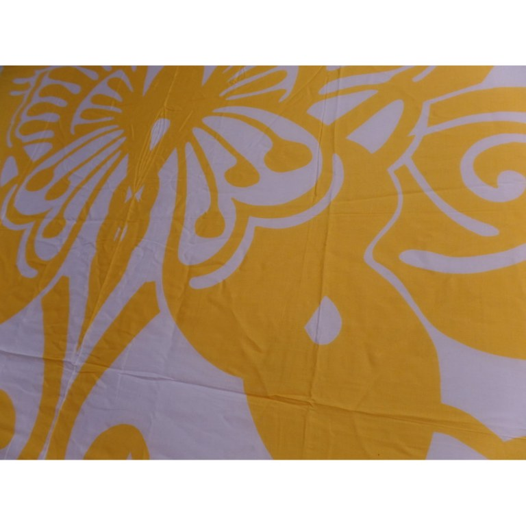 Petite tenture papillon jaune