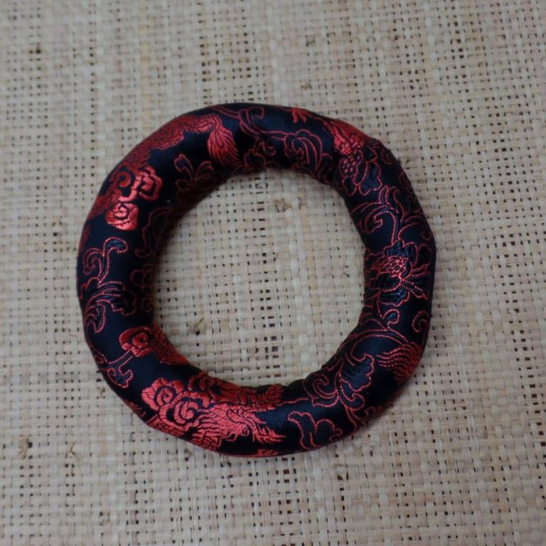 Coussin noir/rouge