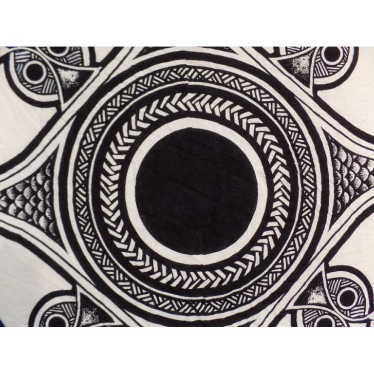 Maxi tenture roue celte noir/blanc
