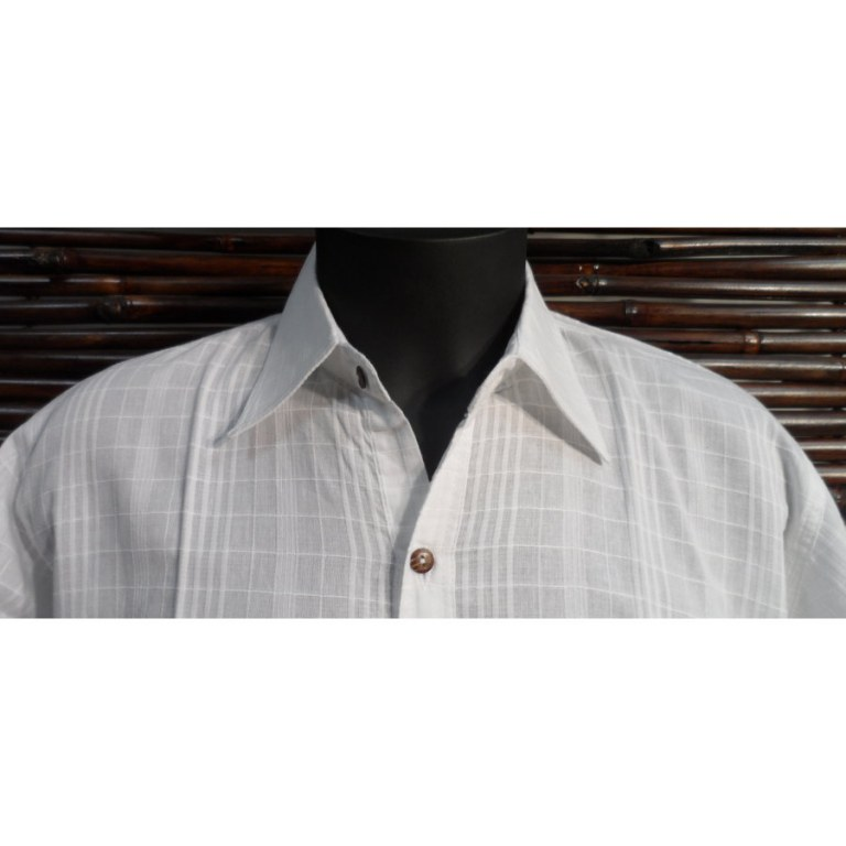 Chemise blanche à boutons