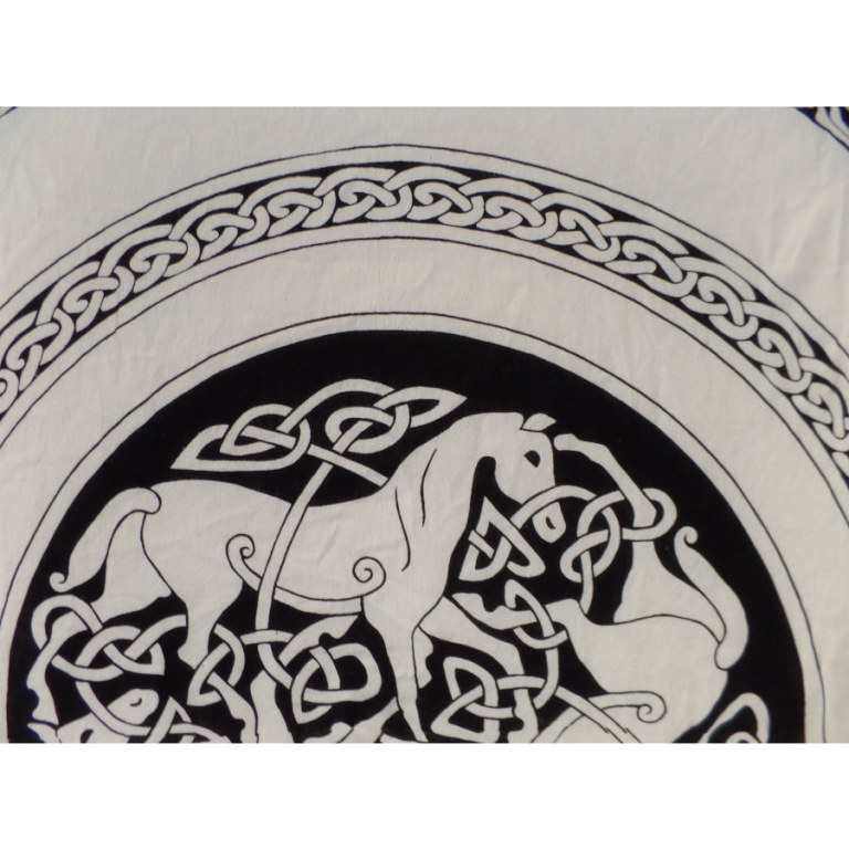 Tenture les 3 chevaux celtes
