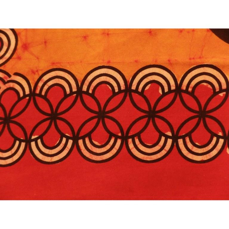 Tenture orange/rouge retour de marché