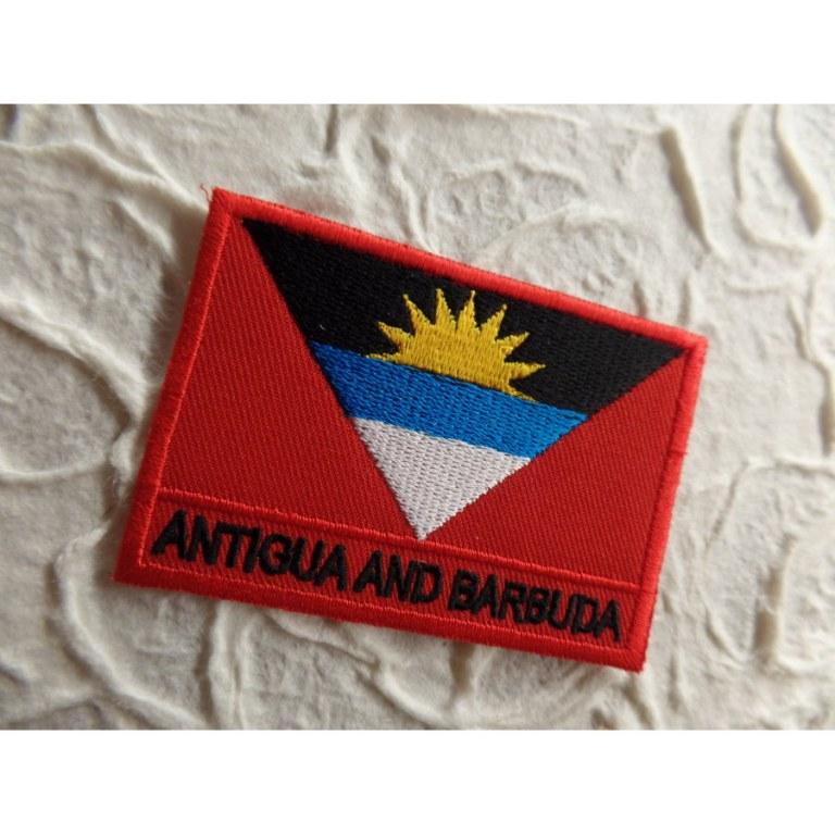 Ecusson drapeau Antigua et Barbuda