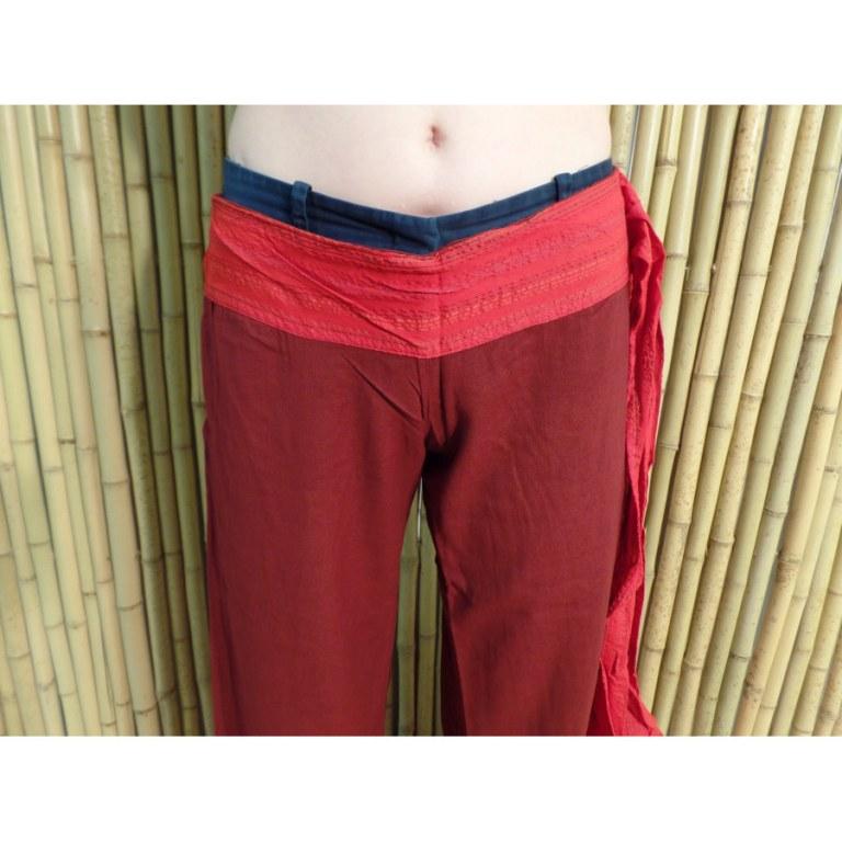 Pantalon Kaski bordeaux ceinture rouge