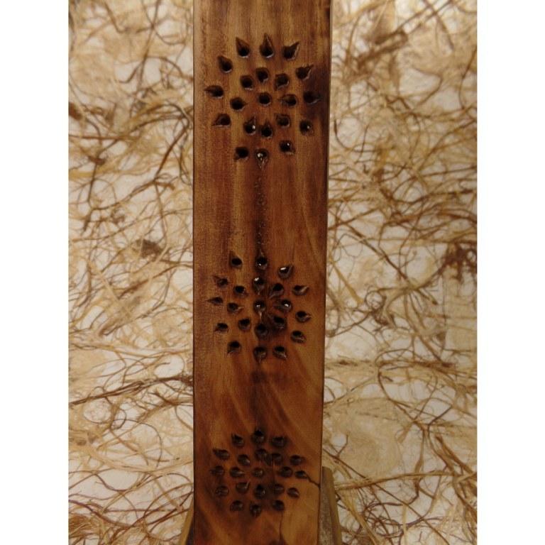 Porte encens tour fleurs ajourées