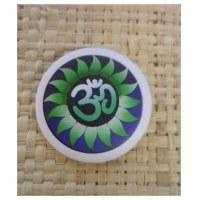 Badge Aum green flower