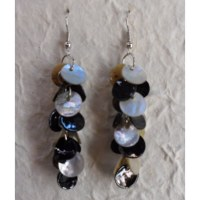 Pendants d'oreilles pétales black and white