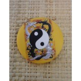 Badge dragons yin yang