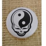 Badge crâne yin yang