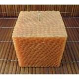 Bougie carrée nid d'abeille orange doré