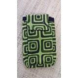 Housse mobile motif carrés vert S