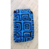 Housse mobile motif carrés bleu S