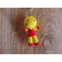 Porte-clés poupée jaune/rouge