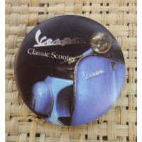 Badge Vespa classic scooter bleu