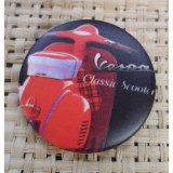 Badge Vespa classic scooter rouge