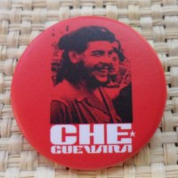 Badge 30  Che Guevara rouge