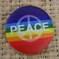 Badge arc en ciel peace & love