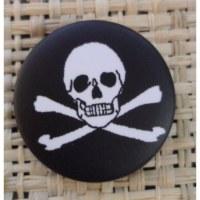 Badge 1 tête de mort noir & blanc