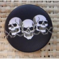 Badge 3 tête de mort noir & blanc