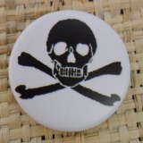 Badge 3 tête de mort  noire/blanc