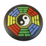 Badge Yin Yang M hexagone multicolore