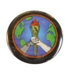 Badge Peace and Love flamme de la Liberté