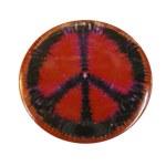 Badge Peace and Love Noir sur fond rouge