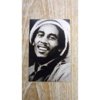 Aimant Bob Marley avec un chapeau