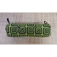Trousse motif carré vert