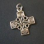 Pendentif arg croix celte à spirale