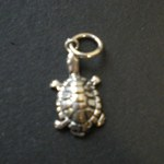 Pendentif mini tortue