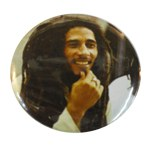 Badge Bob Marley souriant