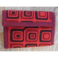 Portefeuille rouge carrés