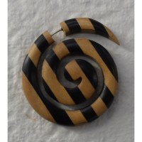 Boucle d'oreille bois spirale